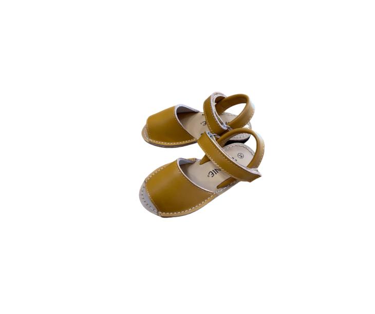Skeanie Avarcas Sandal Tan -